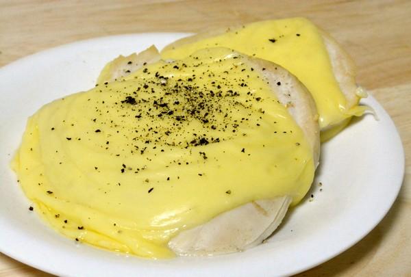 コンビニ人気惣菜「サラダチキン」をチーズ焼きにすると旨い ...